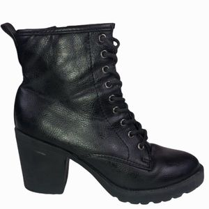 Zigi Soho Black Lace Up Kourtlan Block Heel Boots